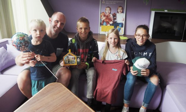 Spendenübergabe des Sport-Clubs Itzehoe beim Ronald McDonald Haus in Hamburg Altona