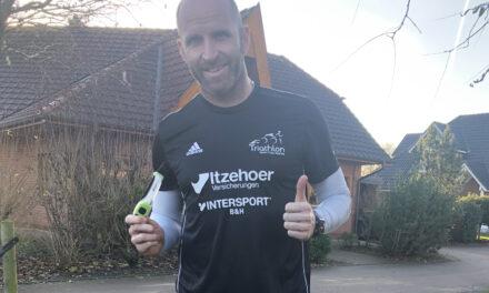 Die Triathlonabteilung mit neuem Sponsor: Itzehoer Versicherung